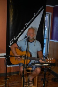 Bruce Rudolph performing at the BC Songwriters' Open Mic