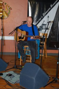 Warren Hunter, playing the BC Songwriters' Open Mic