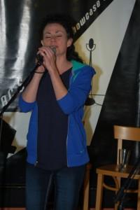 KerryLee Manuel - performing at BC Songwriters' Open Mic - BCSongwriters.ca